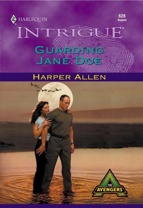 Guarding Jane Doe (Mills & Boon Intrigue)
